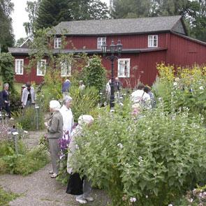 Guidningar med Kerstin Ljungqvist.